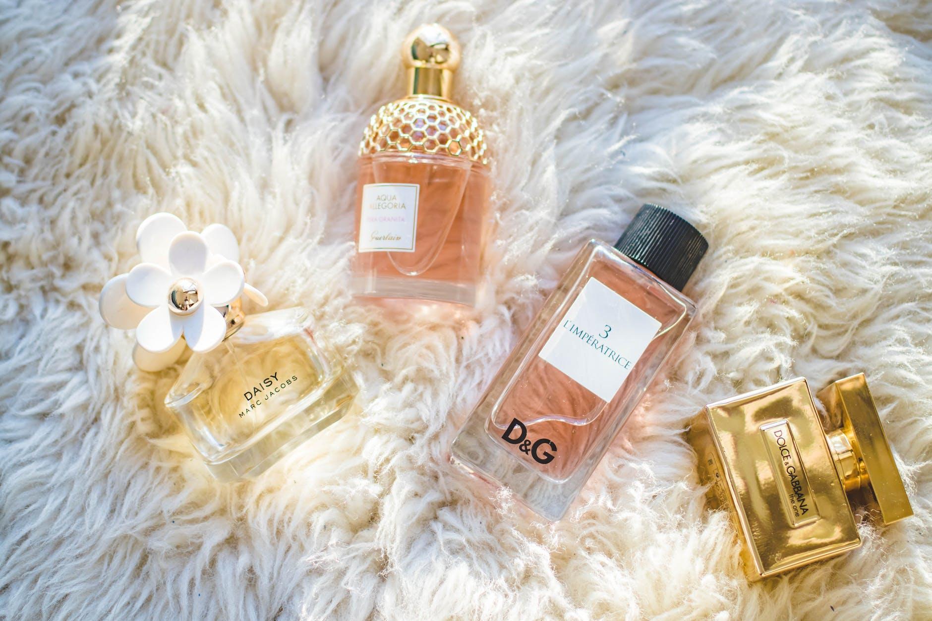 20 Best Long Lasting Perfume for Women in 2021