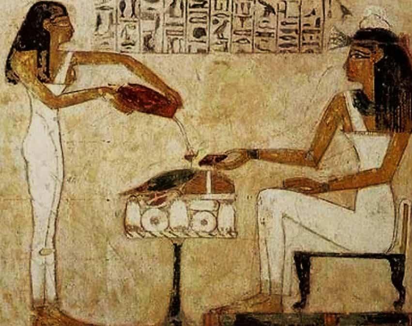 egyptain women producing perfume