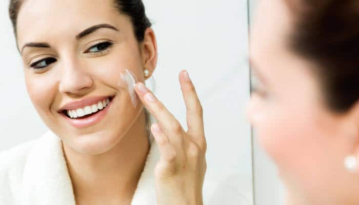 Read more about the article Top 10 Best Moisturizer for Dehydrated Skin in 2021