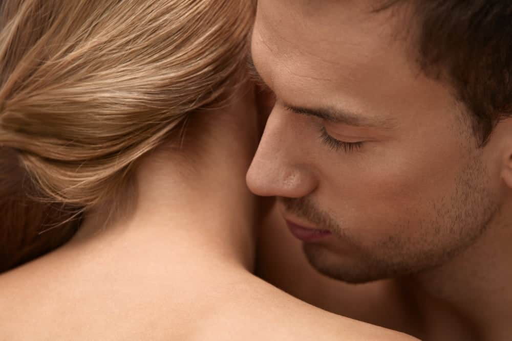 20 Best Sexy Women Perfume to Seduce a Man in 2021